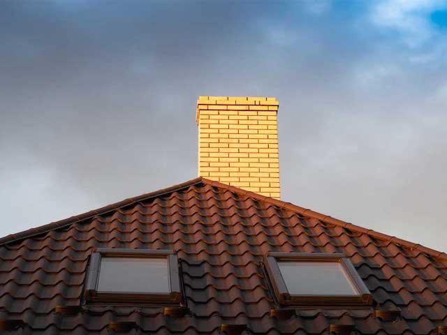 Rzeczoznawca budowlany a źle zamontowane okna dachowe